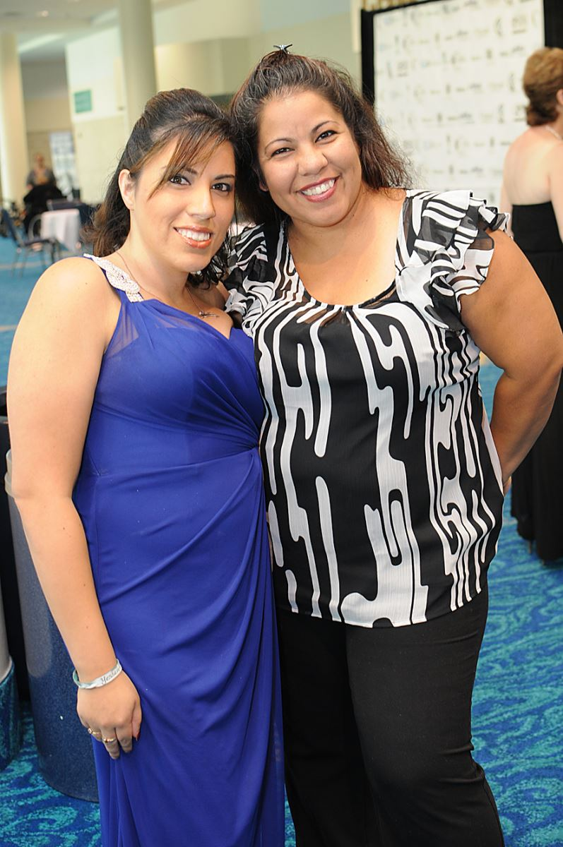 CIL Staff Yessenia Leyva and event attendee Mari Cantero